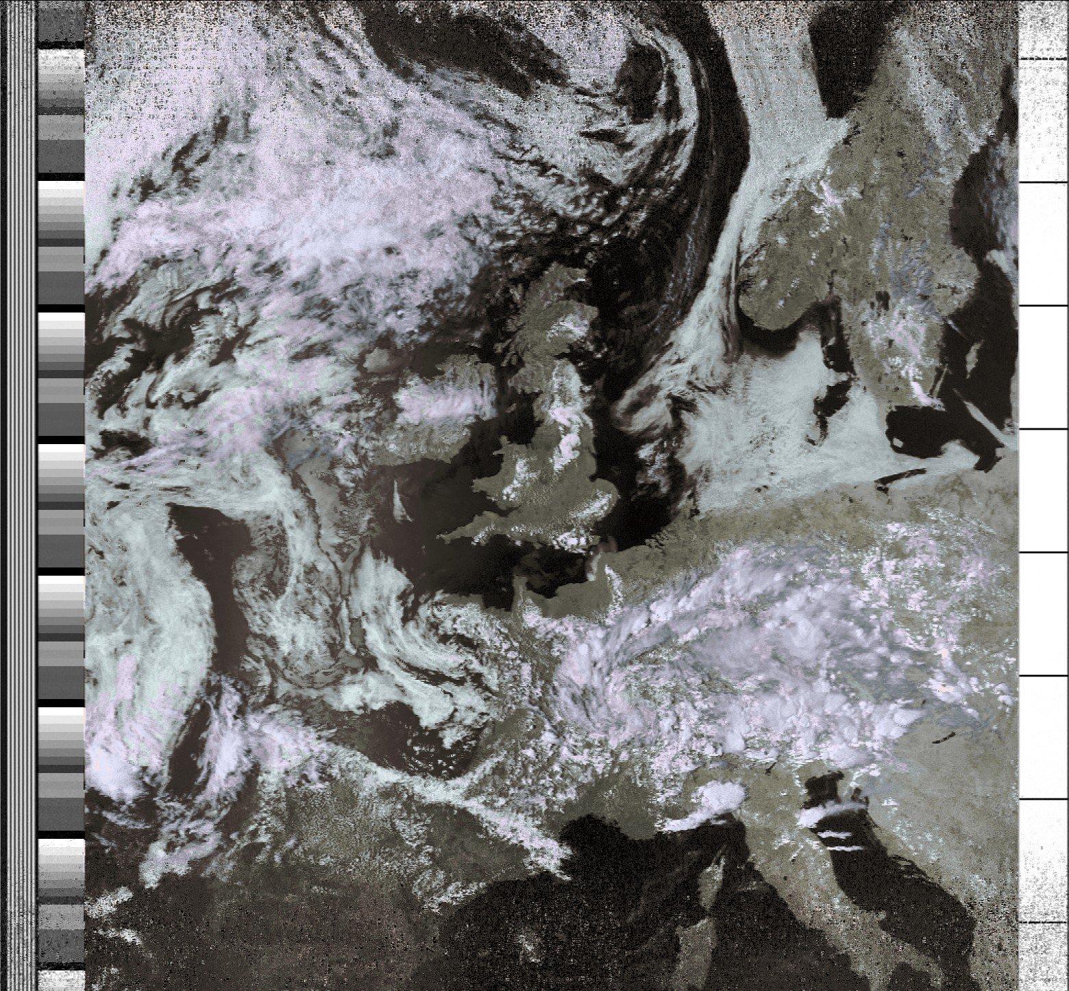 Receiving NOAA weather satellite images